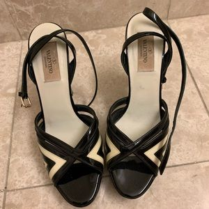 Valentino Black and White Platform Heels Sz37